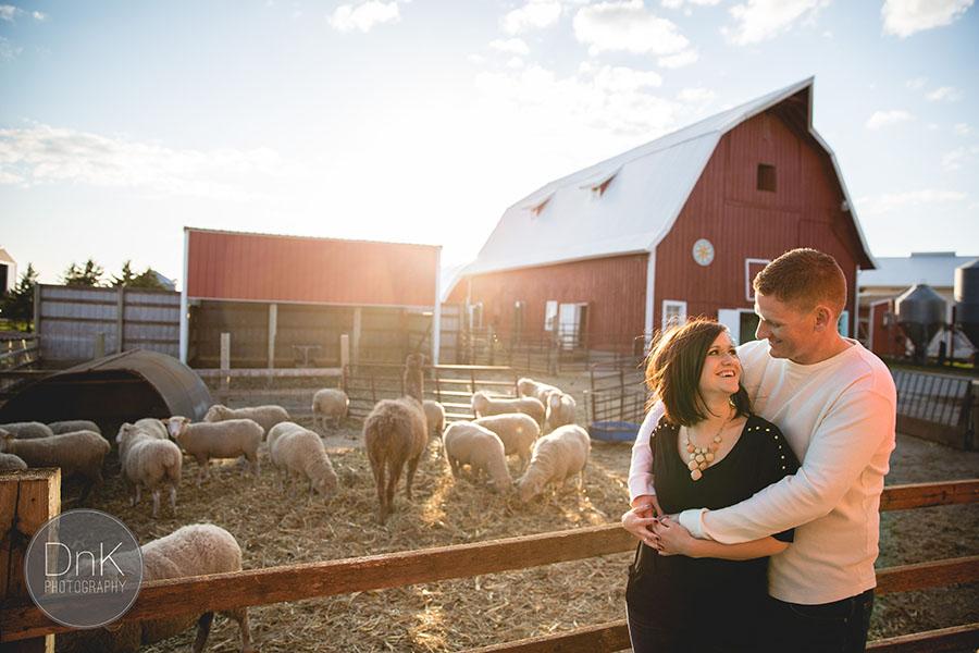 09-minnesota cute farm engagement session