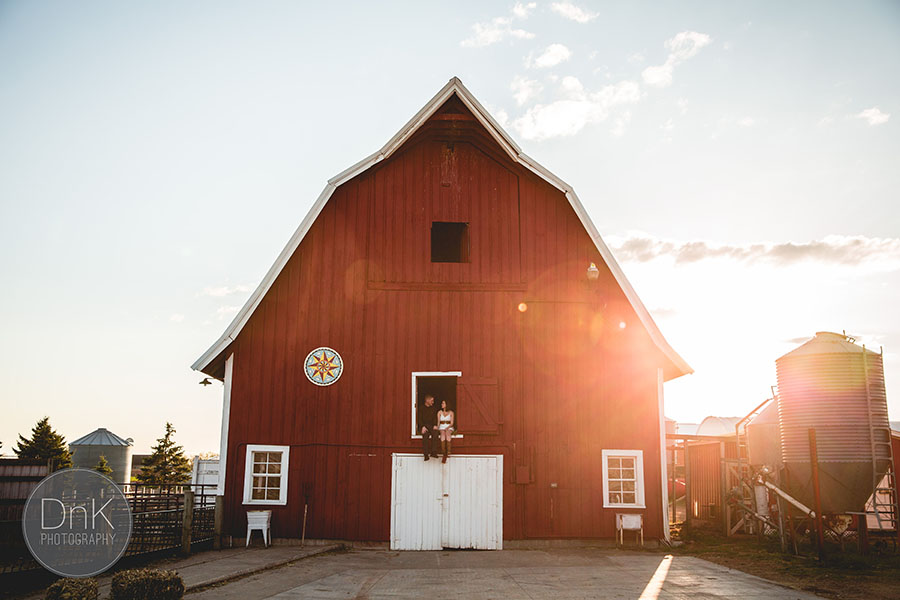 11-cute barn engagement session