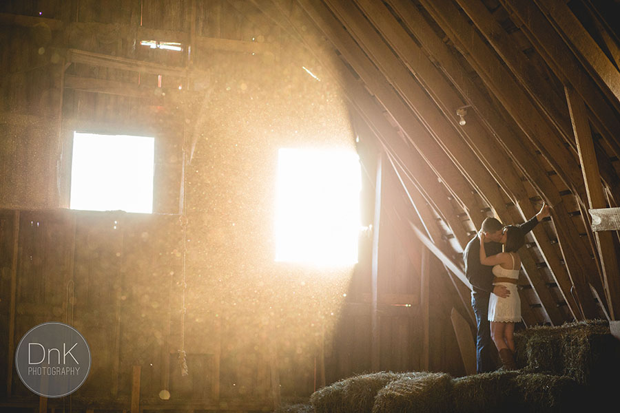13-awesome barn engagement session