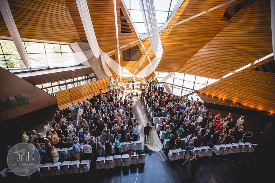 28_Minneapolis Wedding Photographer McNamara Alumni Center Wedding