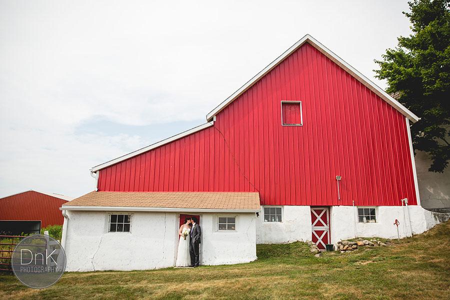 10_Wisconsin Farm Wedding Photographers Wisconsin Rustic Wedding