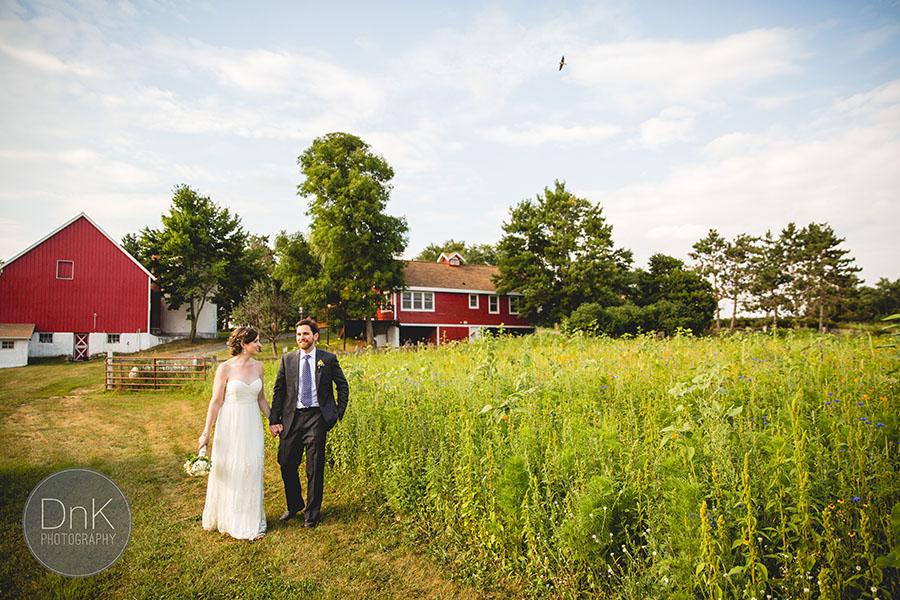 23_Wisconsin Farm Wedding Photographers Wisconsin Rustic Wedding