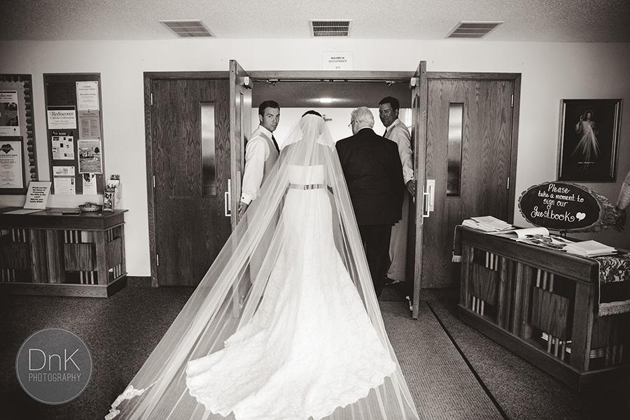 16_Liz and Glenn Minnesota Barn Wedding