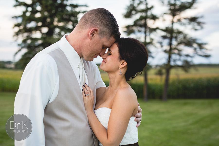 31_Liz and Glenn Minnesota Barn Wedding