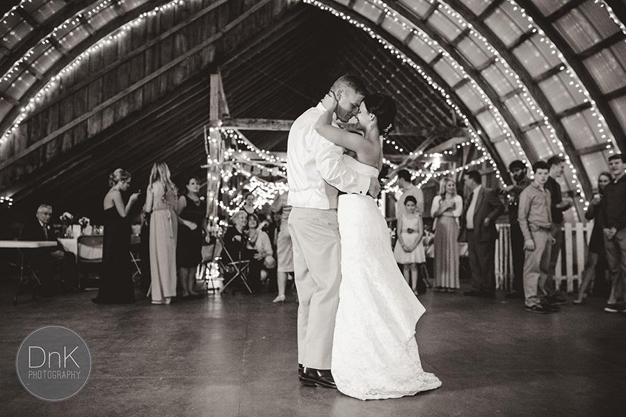 33_Liz and Glenn Minnesota Barn Wedding