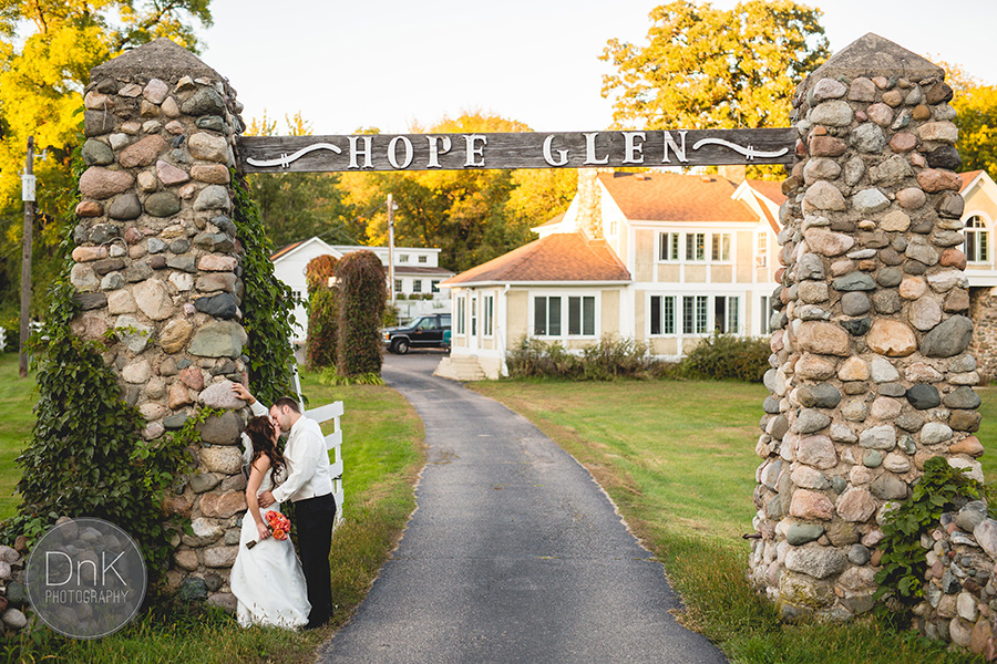 35-Hope-Glen-Farm-Barn-Wedding