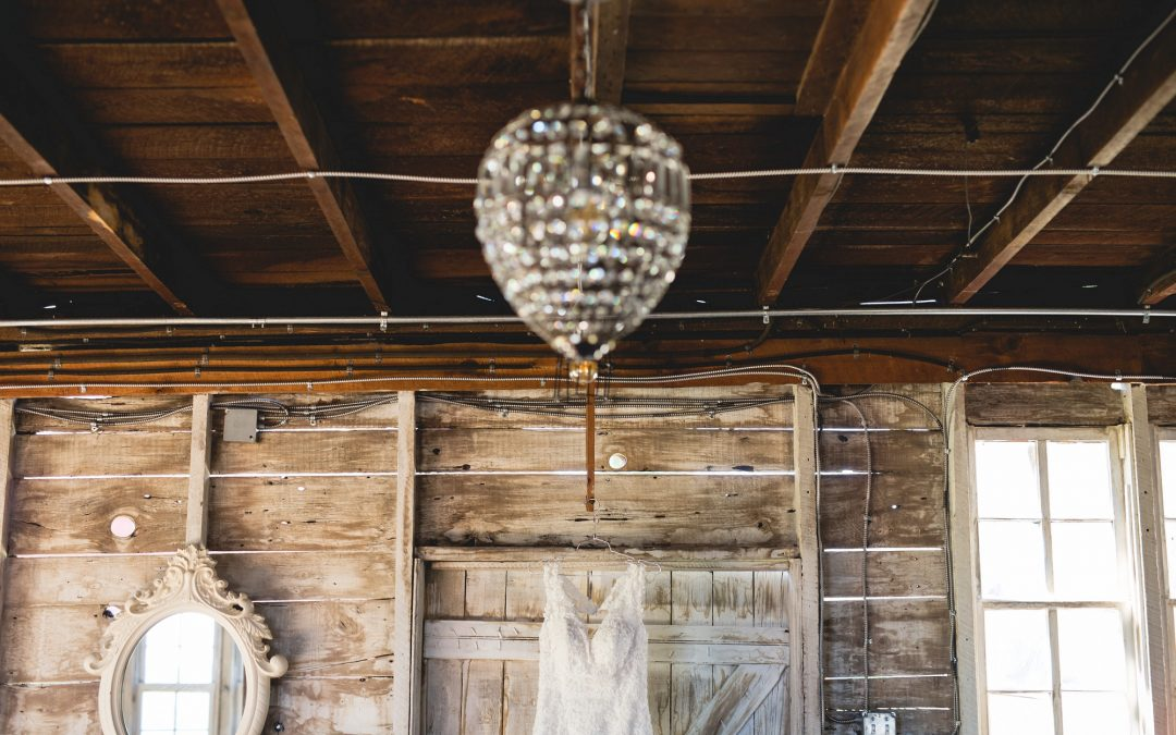 Hidden Meadow and Barn Wedding – Jordan and Mackenzie